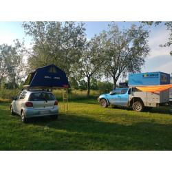 L'air camping è un modello di tenda per il tetto dell'auto, molto spazioso al suo interno.
