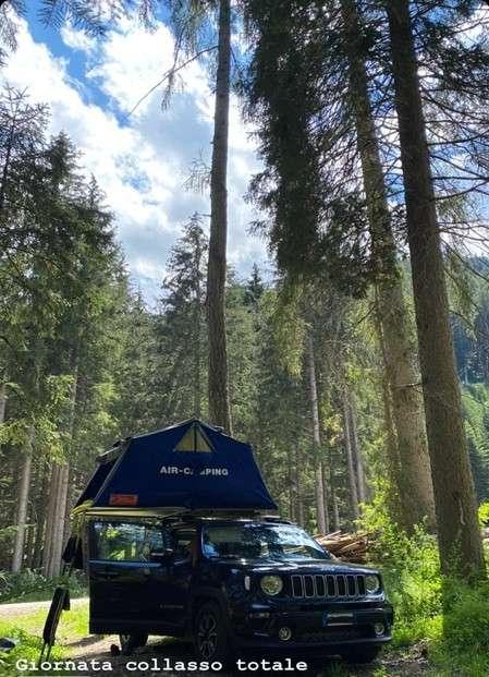 Al lago di Braies in libera con la tenda da tetto Air Camping Maggiolina